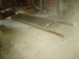 Venda-se escada de ferro