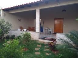 Casa para venda tem 250 metros quadrados com 3 quartos em Jardim Belvedere - Caldas Novas