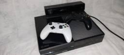 X box 500 gb (usado) + 2 controles + Kinect