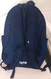 Vende-se essa mochila primeira linha e original da Nike