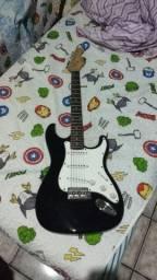 Guitarra stratocaster Suzuki em perfeito estado de uso, captação toda funcional....