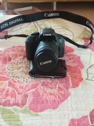 Máquina fotográfica Canon E05 Digital...