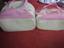Bolsa rosa e bege e bolsa azul