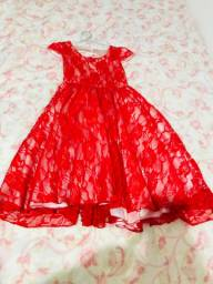 Vendo lindo vestido infantil em renda