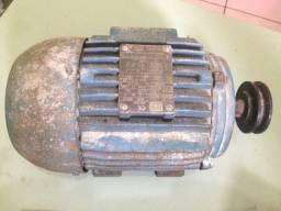 Motor de Indução trifásico 220 / 380 volts