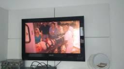 Televisão LCD Phillips 32 polegadas