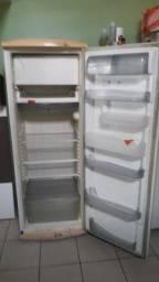 Vendo geladeira 360 l