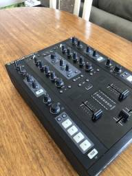 Mixer Traktor Z2 - Native Instruments
