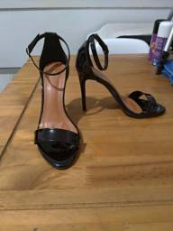 Sandalia tamanho 35