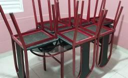 Mesa de 6 lugares com tampo de vidro temperado fumê