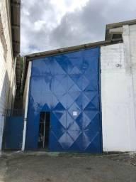 Galpão em condomínio fechado próximo a estação Pirajá