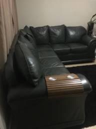 Sofá em couro 06 lugares