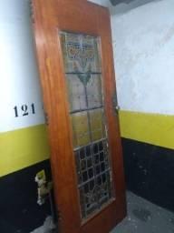 Porta de Entrada Maciça com Vitral