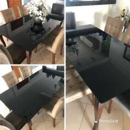 Mesa de jantar linda e sem nenhuma avaria.