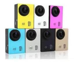Camera tipo Gopro a prova d água filma HD com suporte ideal para pessoas aventureiras