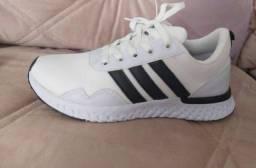 Vendo tênis Adidas e nike esportivo ( 115 com entrega)