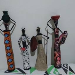 Bonecas artesanais africanas.