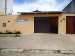 Casa de 2/4+barracão (novo) - Pq. Ateneu