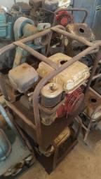 Motor bomba a gasolina R$ 400,00