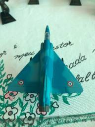 Dassault-Breguet Mirage 2000 avião em miniatura