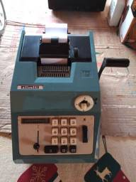 Calculadora manual Olivetti
