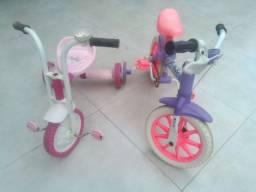 Bicicleta e triciclo.