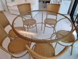 Mesa e cadeiras vime sintético