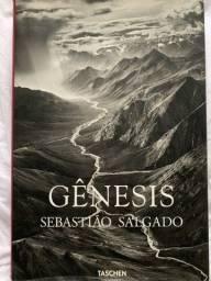Vendo livro de fotografia Sebastião Salgado GENESIS + brinde