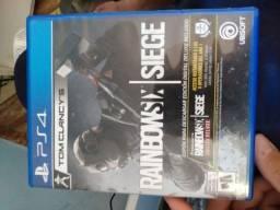 Venda ou troca - jogo de PS4 rainbowsix