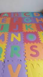 Tatame Infantil Alfabeto  Colorido C/ 26 Peças 29 X 29 X 8mm