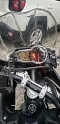 Vendo Motocicleta Triumph Tiger 800 XRX