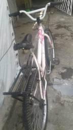 Bicicleta branca com rosa aro 24 toda boa tem conversa no valor