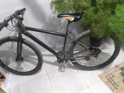 Vendo  uma linda bike aro 29 freio a disco