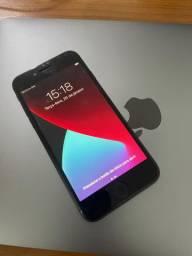 iPhone 8 - 64 g