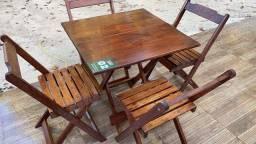 8 mesas e cadeiras