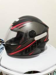 Vendo capacete rosa TORK