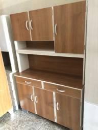 Armário de cozinha com material EXCELENTE