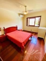 Sobrado 4 dormitórios com piscina em Atlântida