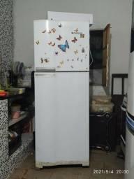 Vendo geladeira usada com defeitos