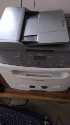 Duas impressoras multifuncional laser