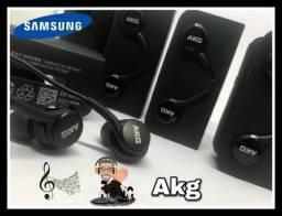 Fone de ouvido Samsung AKG