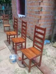 Vende_se 4 cadeira  70 reais cada
