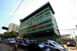 Prédio comercial no Bairro Adrianópolis, 6 andares, 2 elevadores, 2 subsolos