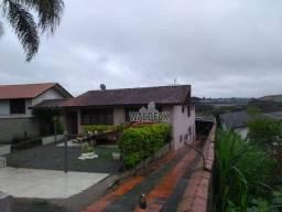 Casa em Araucária com 04 dormitórios