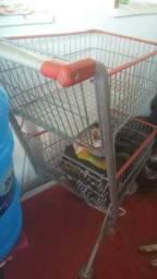 Vendo este carrinho de supermercado em bom estado