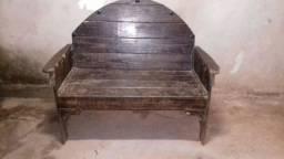 Vendo banco de madeira rústico