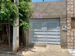 Casa na Rua José de Alencar, n° 684, bairro Santa Teresa