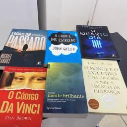 Livros diversos em ótimo estado