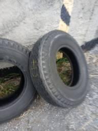 2 pneus 750/16. aro 16 F4000