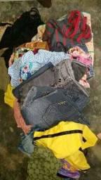 Estou recadando roupinha pra me fazer um bazar  tods tipos de roupa de crianças e adultos